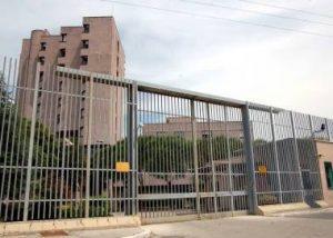 Carcere di Livorno, trovato un microcellulare dalla polizia penitenziaria