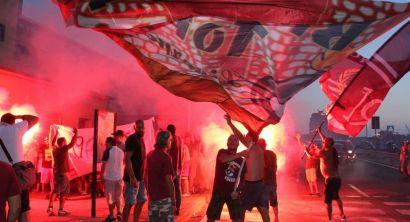 Ultras festeggiano la nuova quadra. il Livorno Calcio a Effetto Venezia (5)