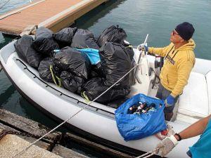 I pescatori ripuliscono le spiagge, rimosse 16,8 tonnellate di rifiuti