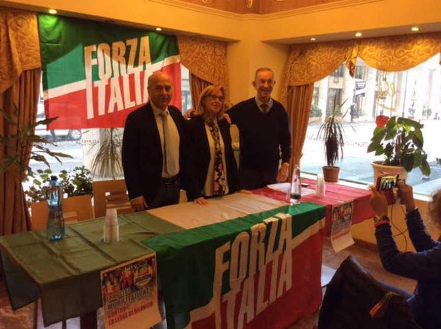 Forza italia parla di citt e bilancio livornopress for Deputati di forza italia