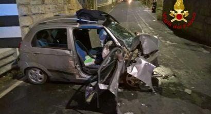 Incidente a Castiglioncello, donna incastrata nell'auto (3)