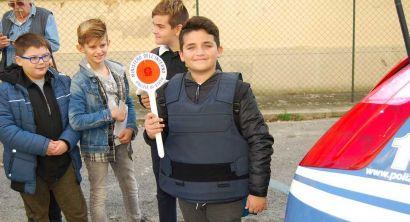 Un giorno da poliziotto, bambini in visita al Commissariato (7)