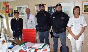 Poliziotti offesi e poi risarciti donano la somma a Pediatria