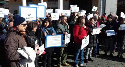 protesta contro stalli blu in centro presente anche striscia la notizia (46)