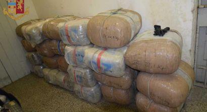 Sequestrati 830 Kg di droga, arrestato cittadino albanese (1)