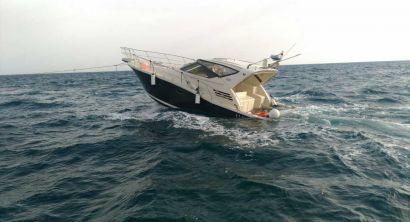 Unità da diporto imbarca acqua, tratti in salvo i due occupanti (4)