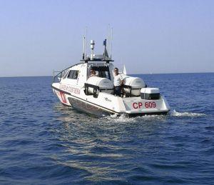 Tragedia all'Elba: 16enne si tuffa dalla barca, nuota e muore