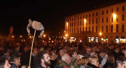 Le sardine livornesi in piazza sulle note di bella ciao (14)