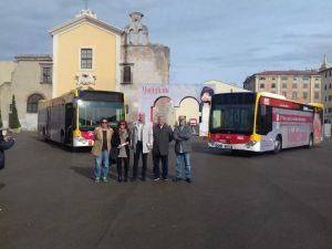 LivornoPress autobus con pubblicità della mostra di Modigliani
