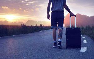 LivornoPress turista valigia