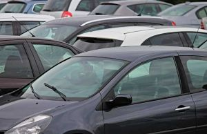 auto parcheggiate stoccaggio auto