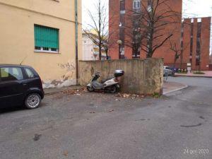 pulizia rifiuti via Giolitti