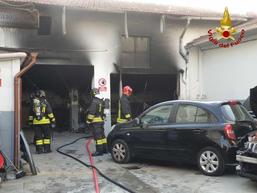 iincendio autocarrozzeria (2)