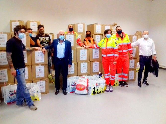 CPL e CILP donano 270 pacchi alimentari