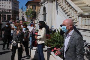 Il sindaco Luca Salvetti incontra le partite iva che gli consegnano le chiavi delle attività