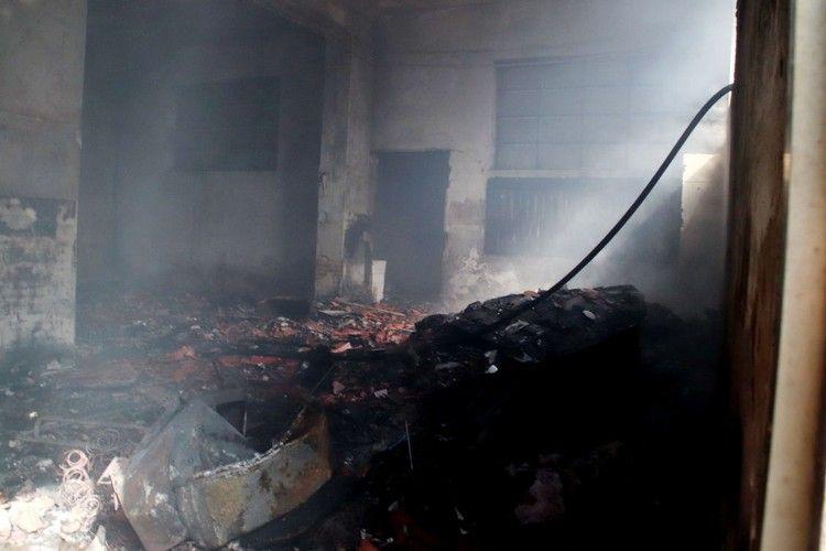 incendio nell'ex deposito ferroviario (1)