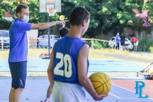 Bentornata Pielle il settore giovanile si allena all'esterno della palestra del liceo Cecioni