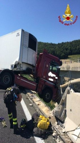 a12 camion in bilico