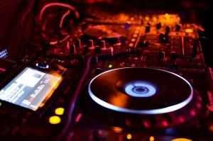 dj-musica-discoteca