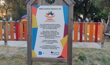 Il Parco Levante dona area giochi al Parco del Mulino (5)