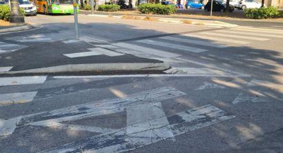 La fotodenuncia Incrocio altamente pericoloso sul viale Carducci (2)