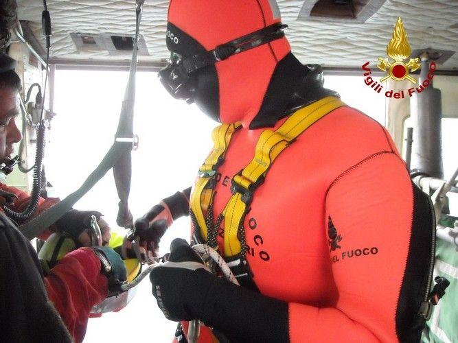 Sommozzatori con elicottero, potenziato il soccorso acquatico dei Vigili del Fuoco
