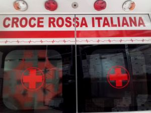 ambulanza croce rossa Italiana ivorno