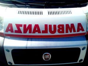 ambulanza, scritta, foto generica