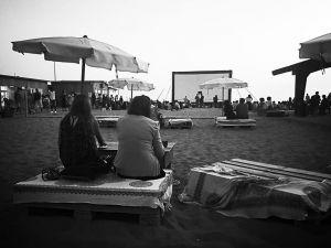 Anche ad agosto il cinema sul mare al Bagno degli Americani