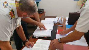 guardia di finanza, 117, documenti, fatture