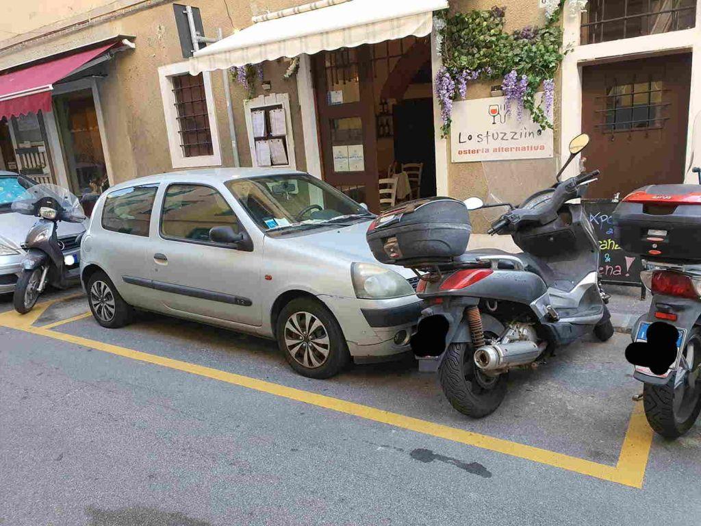 """Posto disabili, """"Un sacco di posto libero per parcheggiare sprecato"""""""