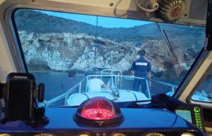Barca a vela battente bandiera inglese si incaglia a Cerboli