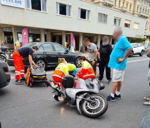 Scontro Auto scooter sul viale Italia, ferita una donna