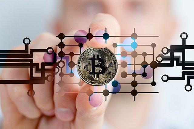 valore bitcoin aprile 2021 come funziona un investimento in bitcoin