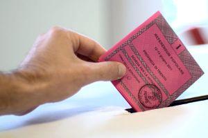 votazioni elezioni voto immagine di archivio scheda elettorale