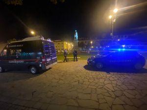 carabinieri piazza garibaldi notte