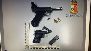 Estrae la pistola per sfuggire a un controllo, arrestato 23enne georgiano