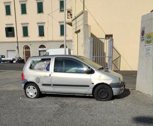 auto abbandonata (2)