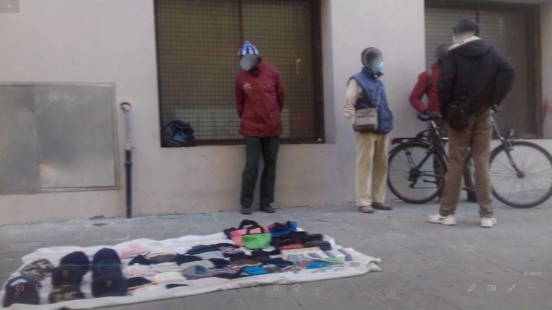 piazza cavallotti venditori abusivi in tempo di covid zona rossa