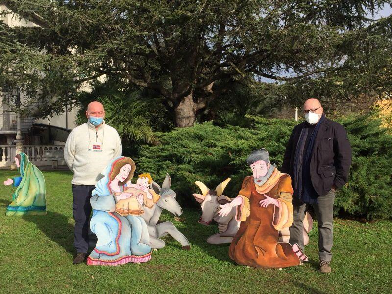 Bibbona, la tradizione del presepe in paese si ripete. il sindaco Fedeli ringrazia Buggea