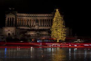 Italia e Natale covid, Il governo valuta zona rossa o arancione per tutti