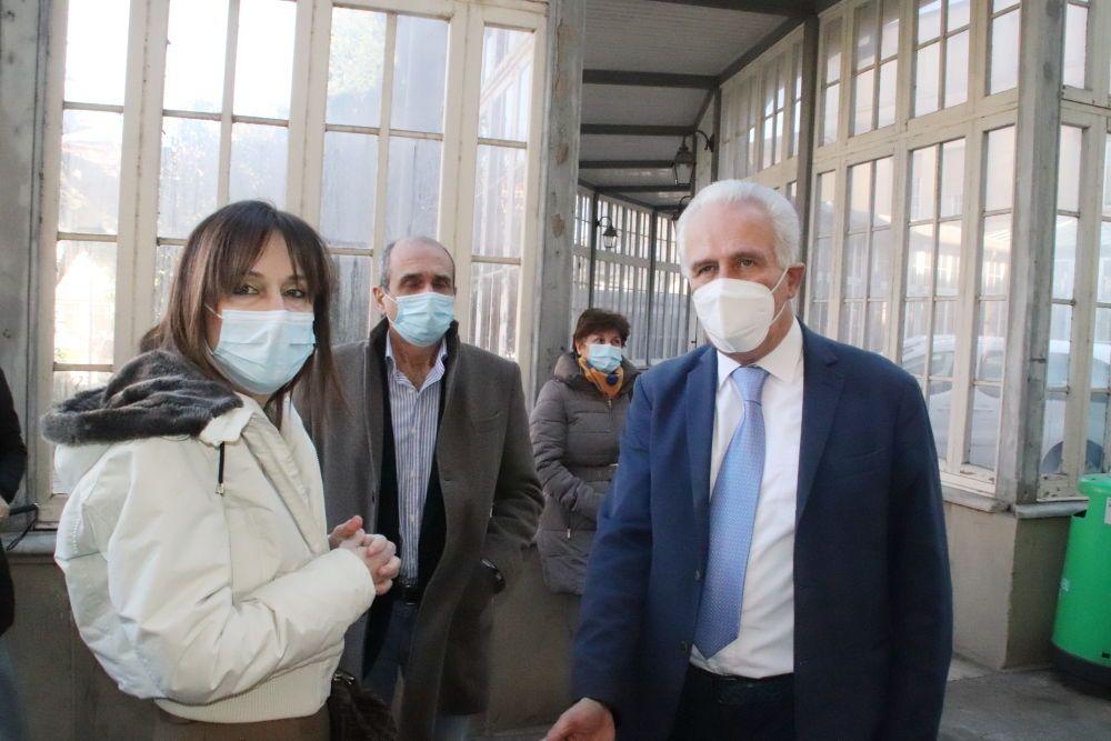 Vax Day, Maria Letizia Casani direttrice dell'Asl e il presidente della Regione Toscana Eugenio Giani