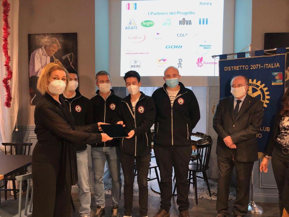 Il Rotary Club consegna all'ospedale di Livorno ecografi vivalytyc