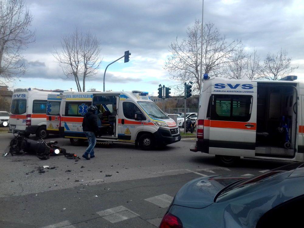 Scontro auto-scooter sul viale Boccaccio