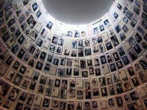 Una nuova pietra d'inciampo ricorderà Gigliola Finzi, la piccola livornese morta ad Auschwitz