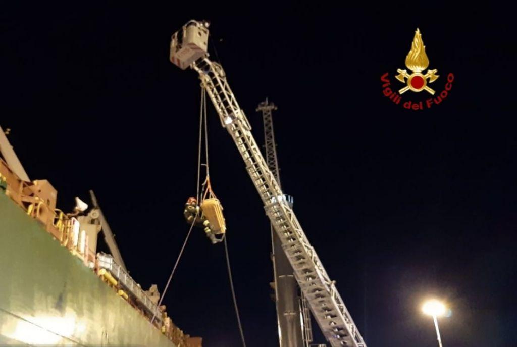 Incidente sul lavoro in porto, interviene il nucleo SAF