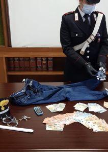 Carabinieri arrestano spacciatore a domicilio