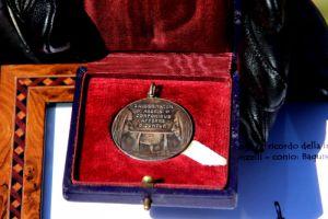 Donata a Reset una medaglia coniata nel 1904 per l'inaugurazione delle Terme del Corallo