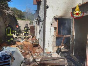 Elba fuga di gas esplode palazzina. Due feriti, uno ricoverato a Cisanello