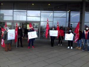 #NoiSiamoLuz, stamani la manifestazione sindacale a sostegno della cassiera Coop pesantemente offesa